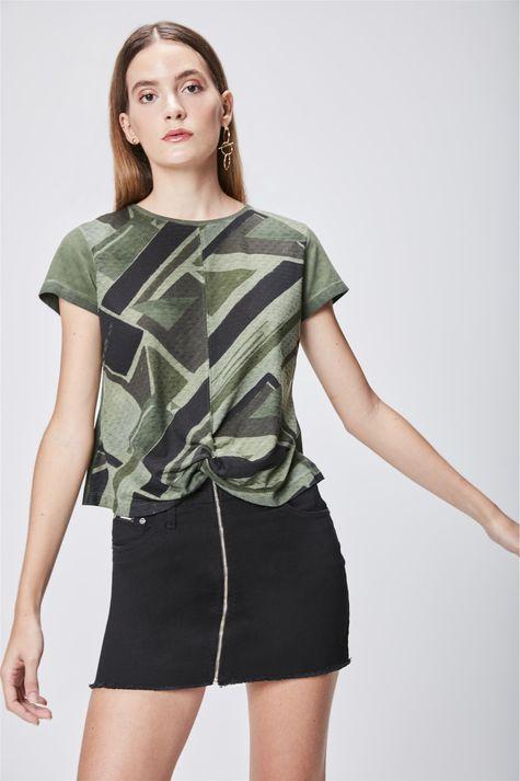 Camiseta-Estampada-com-Detalhe-Frontal-Frente--