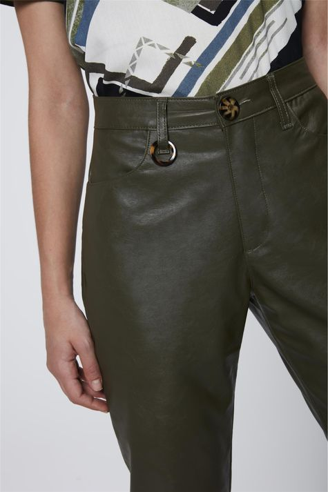 Calca-Verde-Militar-Resinada-Feminina-Detalhe--
