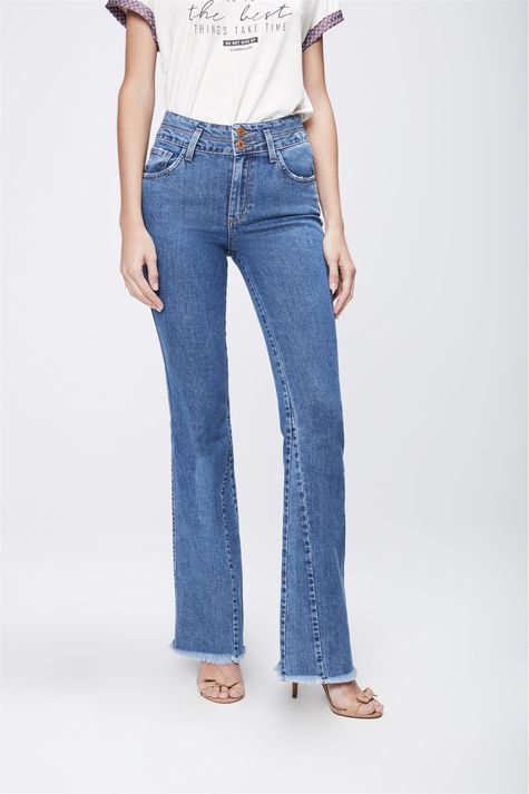 Calca-Jeans-Flare-com-Recortes-Feminina-Frente-1--