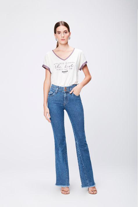 Calca-Jeans-Flare-com-Recortes-Feminina-Frente--