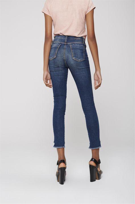 Calca-Jeans-Cropped-Efeito-Patchwork-Costas--