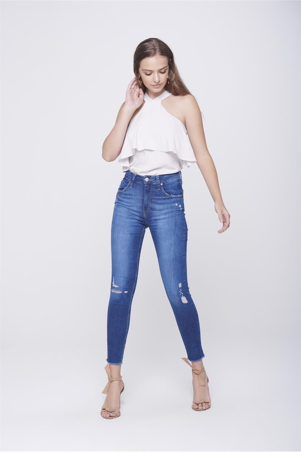 Calca-Jeans-Cropped-Destroyed-Feminina-Frente--