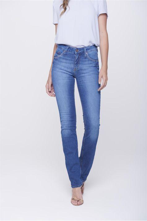 Calca-Jeans-Reta-com-Detalhe-nos-Bolsos-Frente-1--