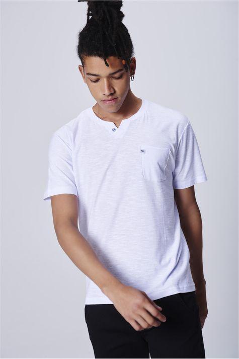 6a1c70317 Camiseta-com-Bolso-Masculina-Frente--