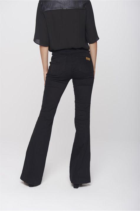 Calca-Boot-Cut-Jeans-Preta-Feminina-Costas--