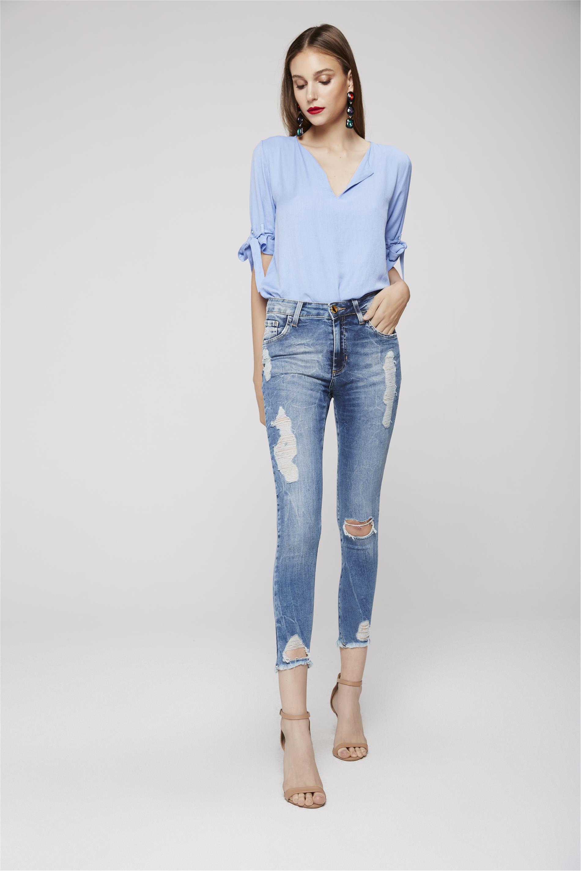 b9ace3318 Calça Cropped Jeans Cintura Alta Rasgada - Damyller