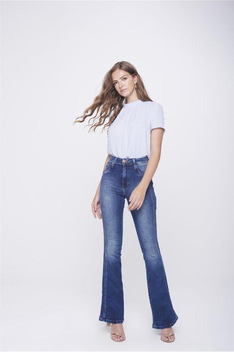 Calca-Boot-Cut-Jeans-Detalhe-Lateral-Frente--