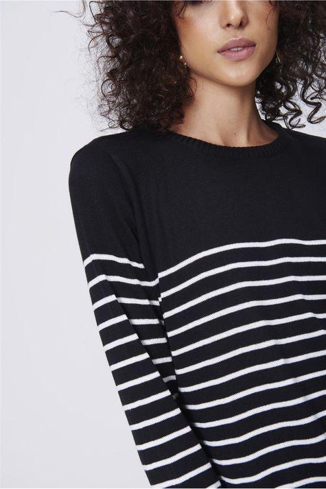 Blusa-Listrada-Feminina-Detalhe--