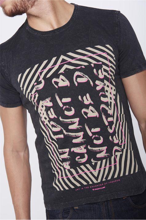 Camiseta-Estampada-Unissex-Detalhe--