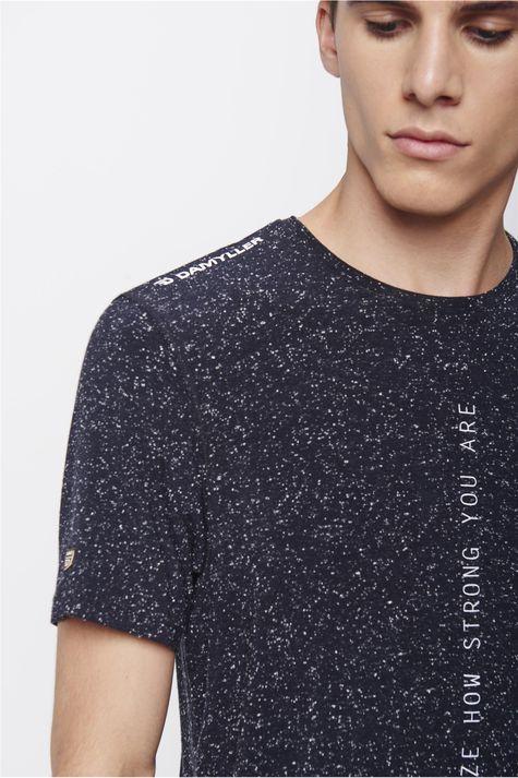 Camiseta-Masculina-Detalhe--