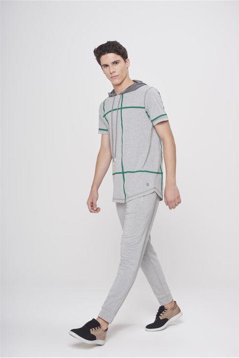 Camiseta-com-Capuz-Masculina-Detalhe-1--