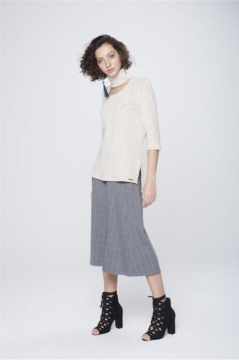 Blusa-Decote-Vazado-Feminina-Detalhe-1--