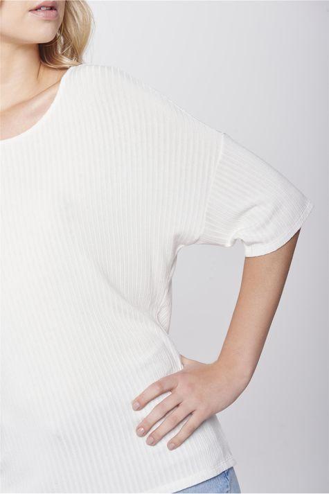 Blusa-Decote-Costas-Feminina-Detalhe--