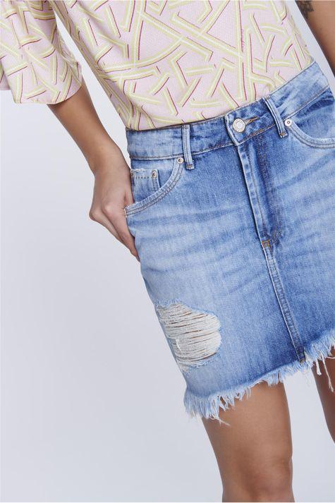 Mini-Saia-Jeans-Rasgada-Detalhe--