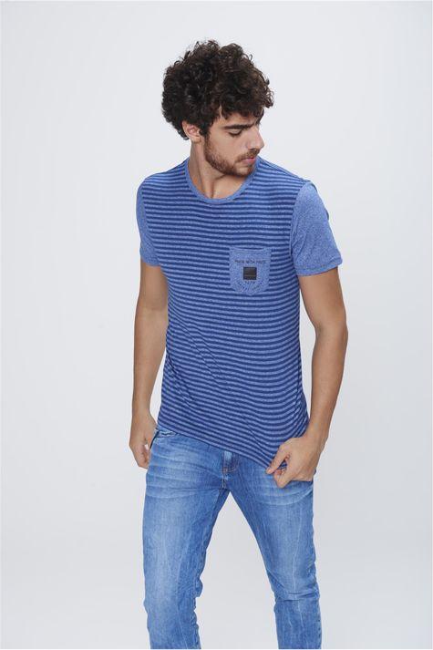 Camiseta-Masculina-Listrada-com-Bolso-Frente--