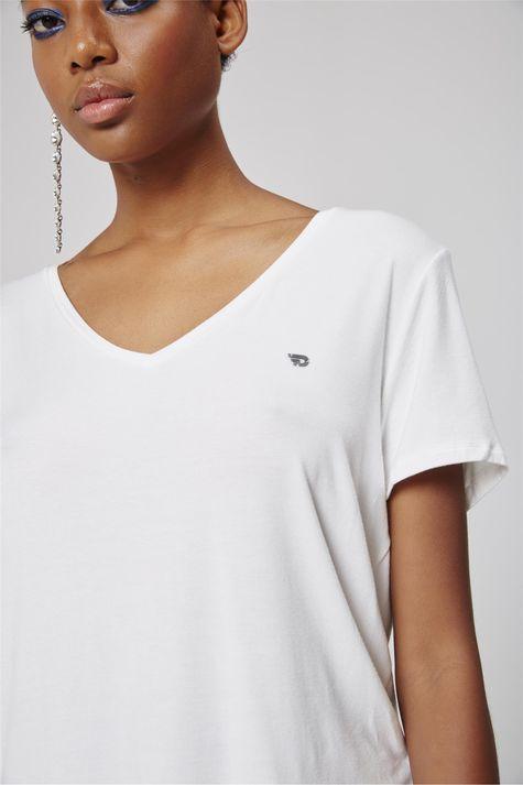 Camiseta-Feminina-Detalhe--
