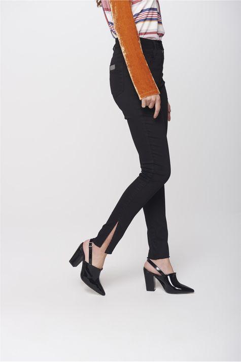 Calca-Cigarrete-Jeans-Preto-Feminina-Lado--
