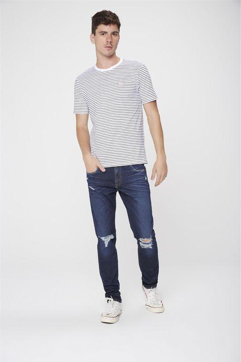 Camiseta-Listrada-Masculina-Detalhe-1--