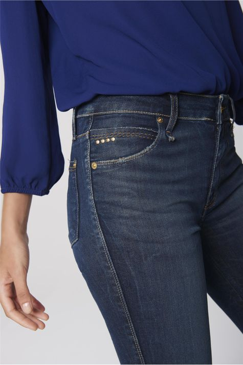Calca-Cigarrete-Jeans-Feminina-Detalhe--
