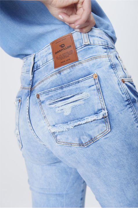 Calca-Boot-Cut-Feminina-Jeans-Destroyed-Detalhe-1--