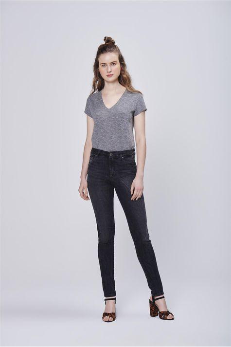Calca-Cigarrete-Jeans-Preta-Feminina-Frente--