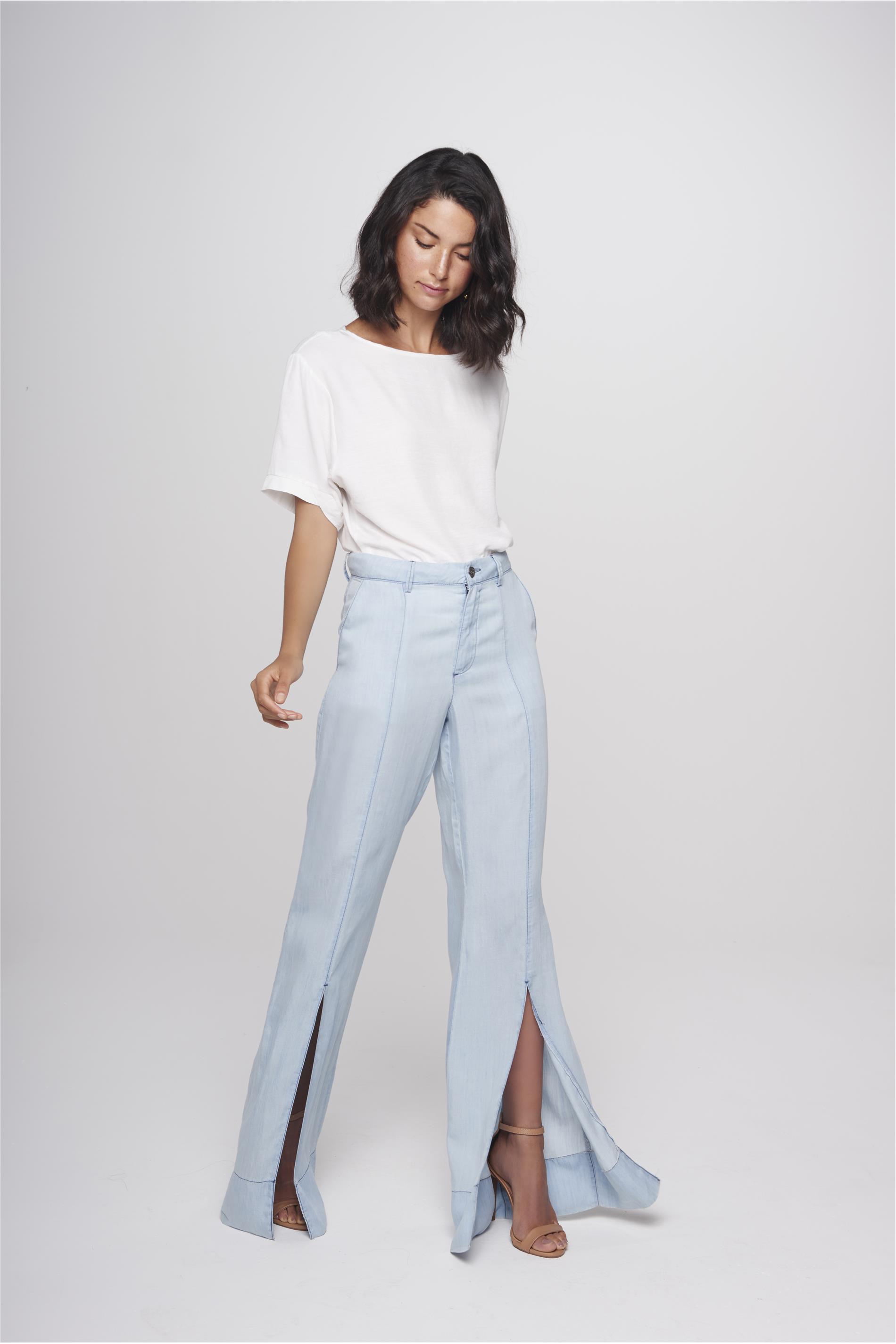 d177043eb Calça Flare Jeans Feminina Fenda Barra - Damyller