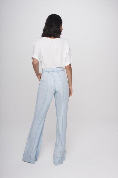 Calca-Flare-Jeans-Feminina-Fenda-Barra-Costas--