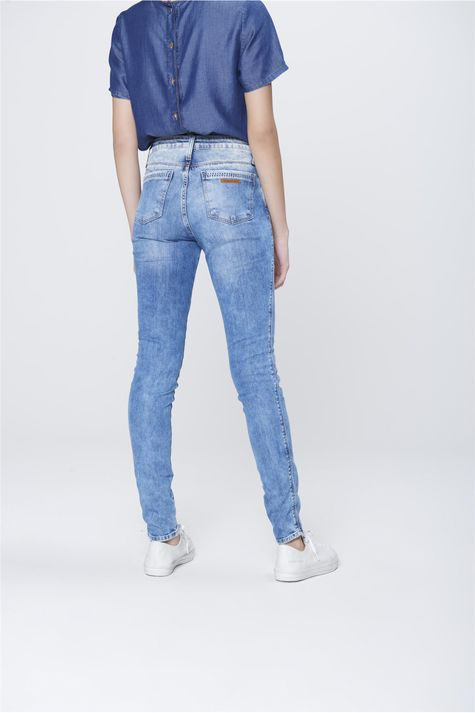 Calca-Cigarrete-Jeans-com-Etiqueta-Bolso-Frente--