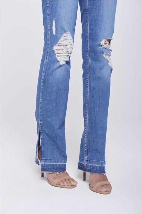Calca-Jeans-Reta-Destroyed-com-Fendas-Detalhe-2--