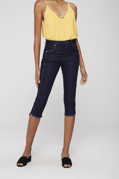 Calca-Capri-Jeans-com-Detalhe-na-Lateral-Frente-1--
