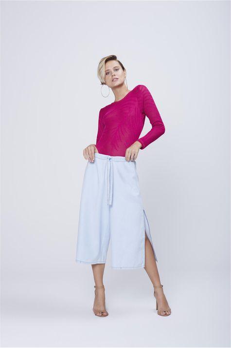 Pantacourt-Jeans-com-Fendas-Laterais-Frente--