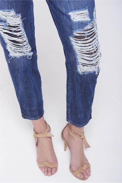 Calca-Boyfriend-Jeans-Rasgada-Feminina-Frente--