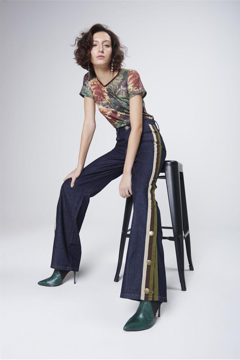 Calca-Boot-Cut-Jeans-Abotoamento-Lateral-Frente--
