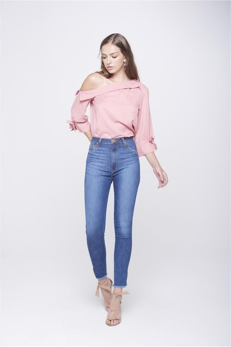 Calca-Jegging-Jeans-com-Fenda-na-Barra-Frente--