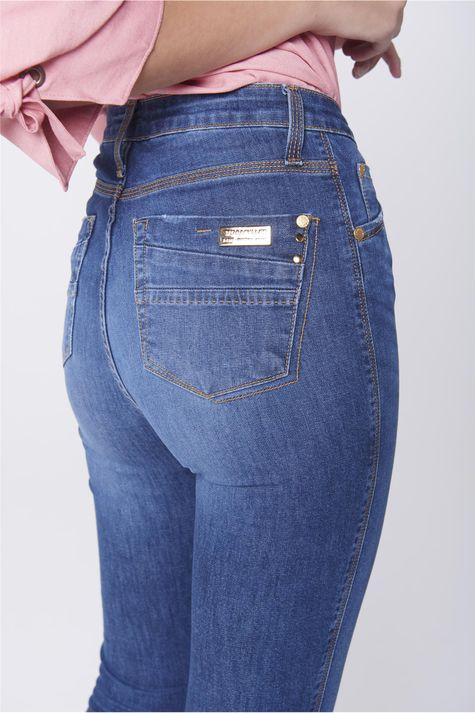 Calca-Jegging-Jeans-com-Fenda-na-Barra-Detalhe--