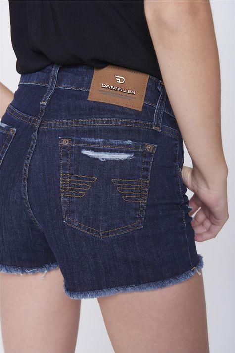 Shorts-Jeans-Justo-Rasgado-Detalhe--