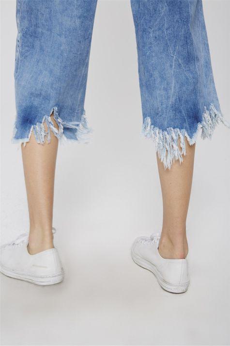 Pantacourt-Jeans-Destroyed-com-Lenco-Detalhe-1--