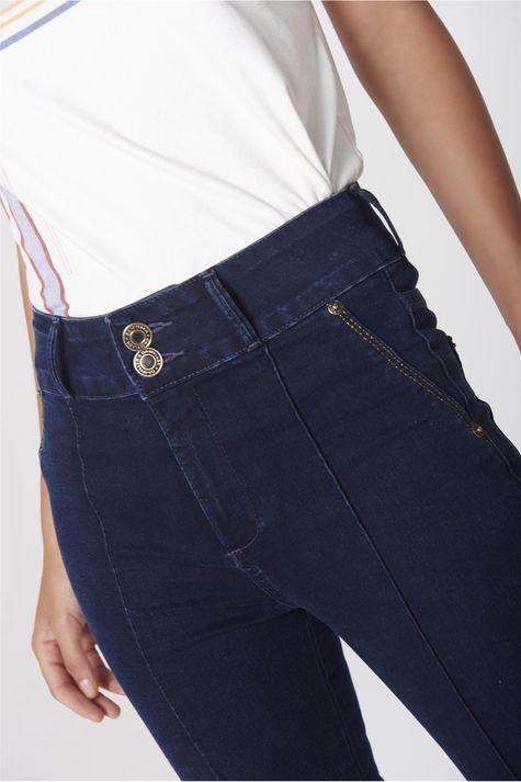 Calca-Boot-Cut-Jeans-Feminina-Cos-Largo-Frente--