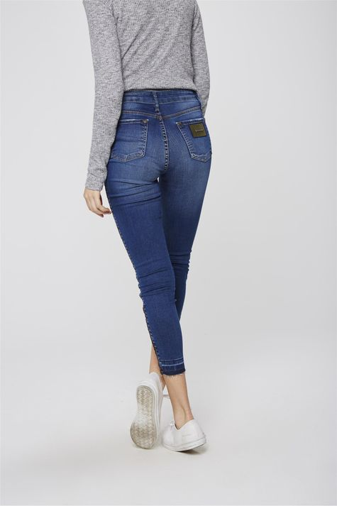 Calca-Jeans-Cropped-Jegging-com-Detalhe-Costas--