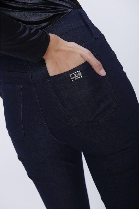 Calca-Cigarrete-Jeans-Cintura-Alta-Detalhe--