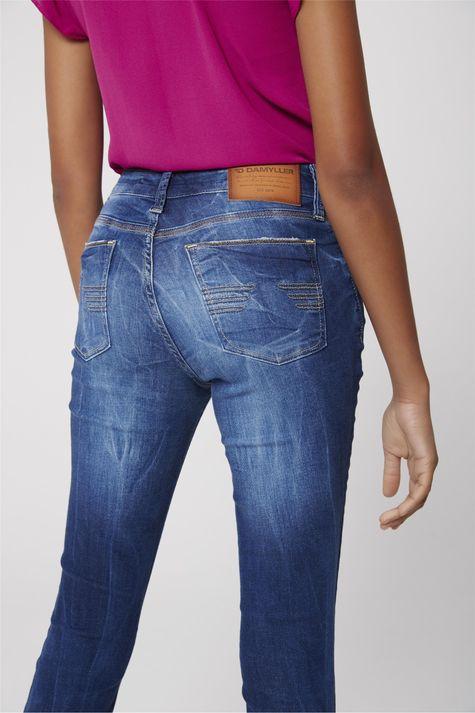 Calca-Jegging-Jeans-Cropped-com-Puidos-Detalhe--