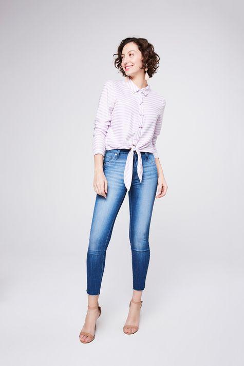 Camisa-Listrada-com-Amarracao-Feminina-Detalhe-1--