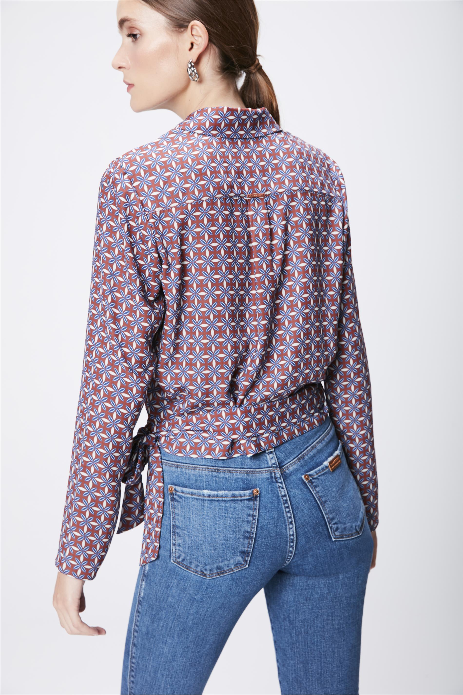 d6546aec7 Camisa Estampada Feminina com Transpasse - Damyller