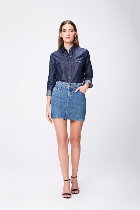 Camisa-Feminina-em-Jeans-Escuro-Detalhe-1--