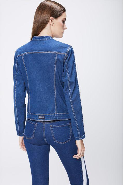 Jaqueta-Jeans-com-Detalhes-Feminina-Costas--