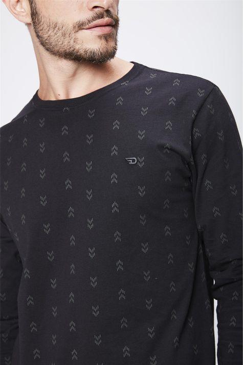 Camiseta-Manga-Longa-Masculina-Detalhe--