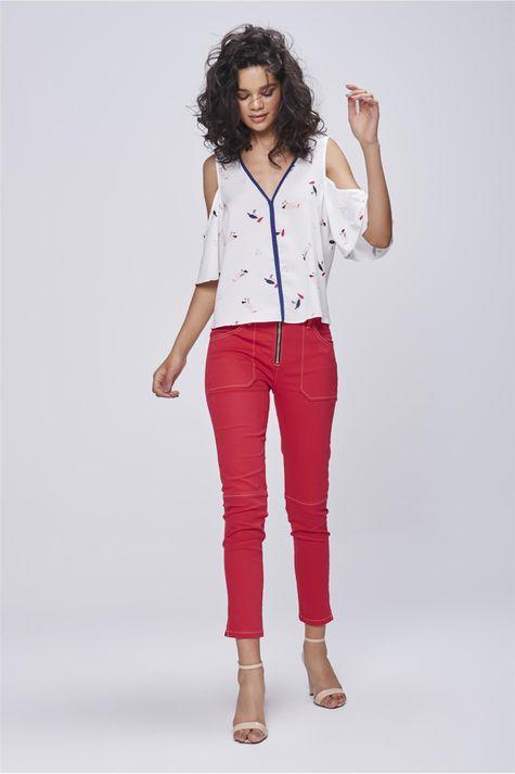 Blusa-Estampada-com-Ombro-Vazado-Detalhe-1--
