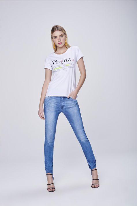 Camiseta-Estampa-Phyna-Feminina-Detalhe-1--