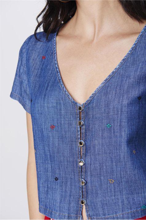 Blusa-Jeans-Bordada-Feminina-Detalhe--