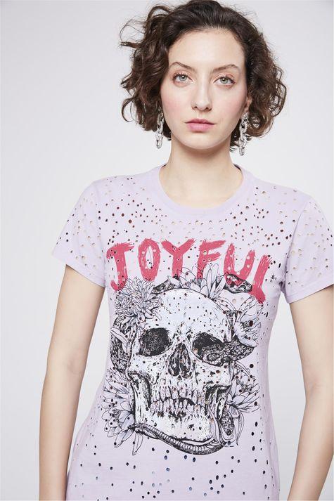 Camiseta-Destroyed-Estampada-Feminina-Detalhe--